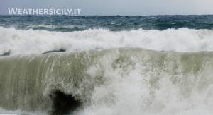 Sicilia spazzata dal vento: raffiche oltre i 50km/h