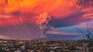 Cile, erutta vulcano Calbuco. Video