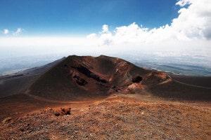 Sicilia, si risveglia l'Etna? Tremori in profondità