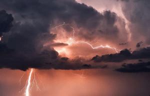 Forte nubifragio a Palermo: numerosi danni. Attenzione, il vero maltempo deve ancora arrivare