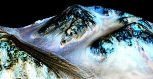 Annuncio Nasa: su Marte scorre acqua salata