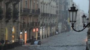 Allerta meteo rossa in Sicilia: giovedì scuole chiuse a Trapani