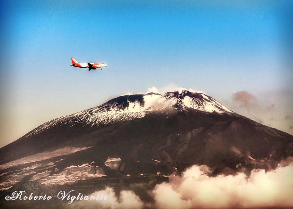 Meteo Sicilia: è arrivata la prima neve di stagione sulla cima dell'Etna!