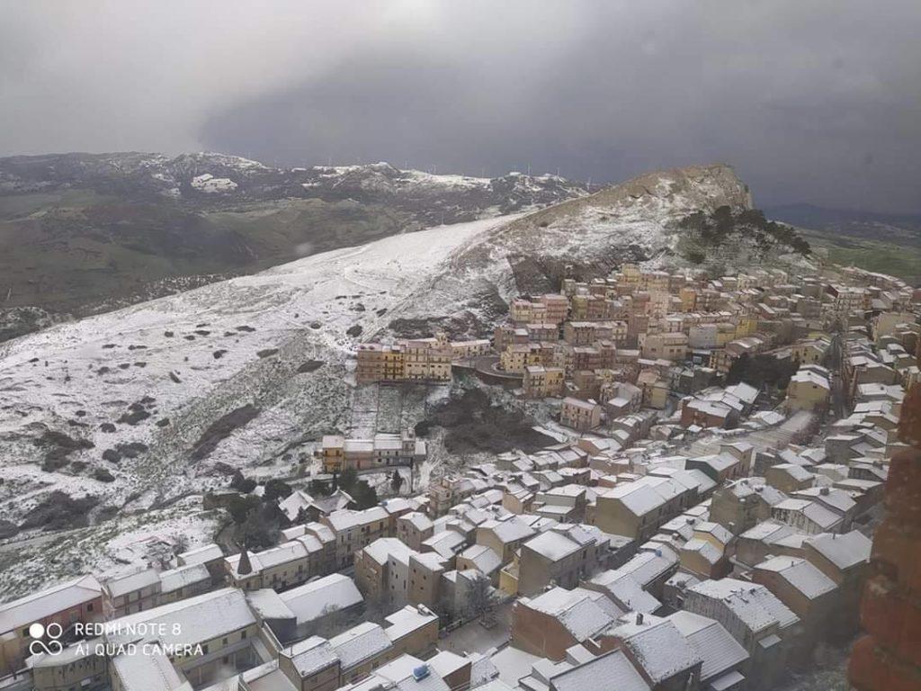 Sicilia, forte burrasca in arrivo: raffiche fino a tempesta!