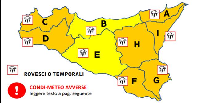 Il ciclone mediterraneo porta tanta pioggia, freddo e neve in Sicilia.