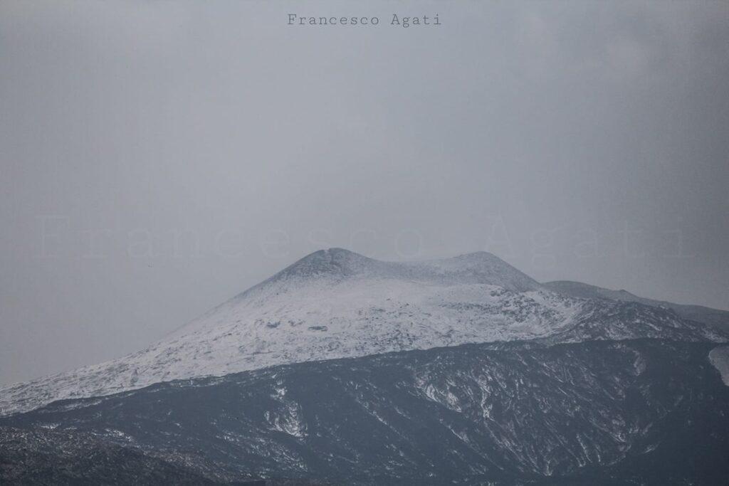 21 settembre 2020: l'Etna si veste di bianco.