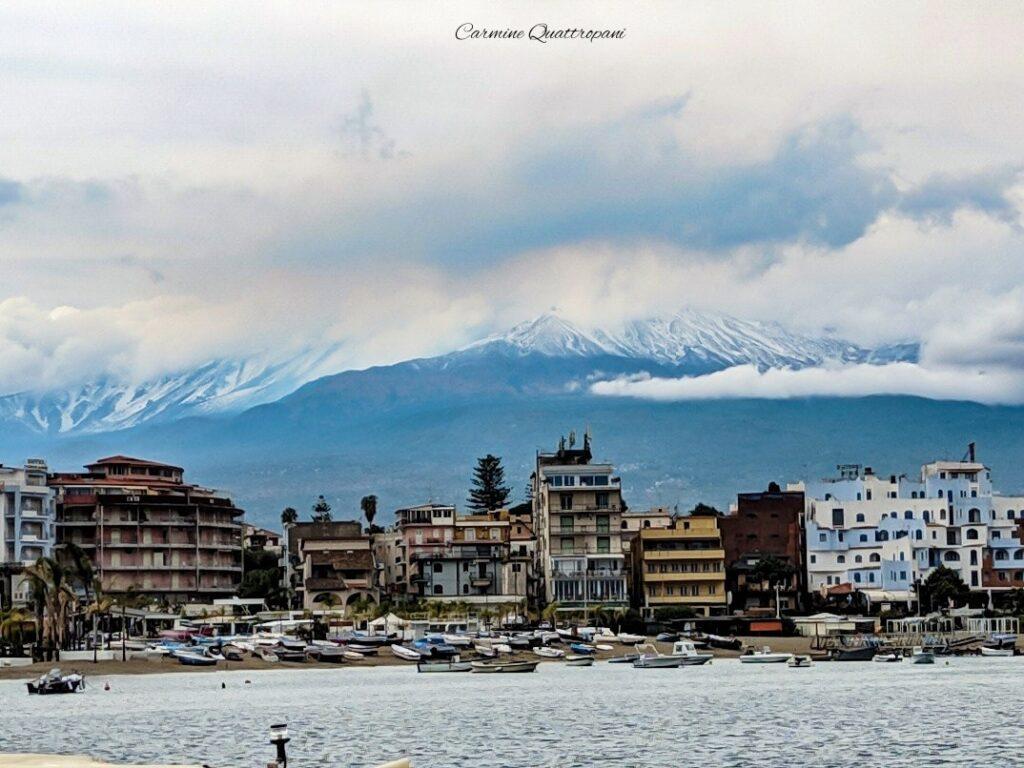 Sicilia: torna l'attesa neve sull'Etna oltre i 2.100 m circa.