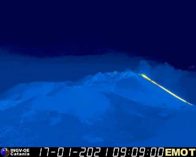 Sicilia, Etna: nuova colata lavica dal cratere di sud-est