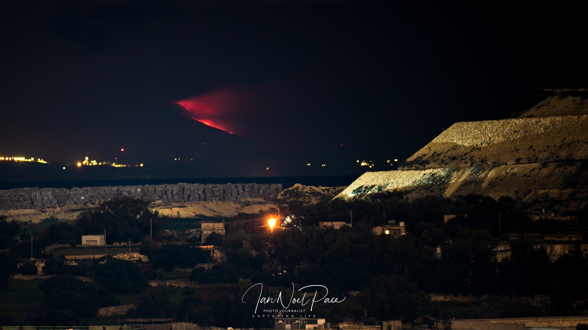 Eruzione Etna: si è vista anche da Malta! Continuano le testimonianze dei fotografi.