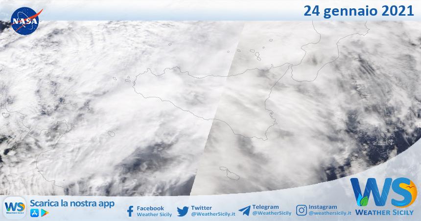 Sicilia: immagine satellitare Nasa di domenica 24 gennaio 2021