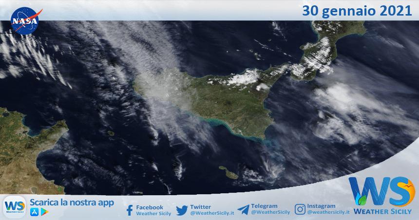 Sicilia: immagine satellitare Nasa di sabato 30 gennaio 2021