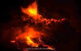 Sicilia, Etna: trabocco lavico si sposta su Valle del Bove. Aumenta tremore vulcanico.