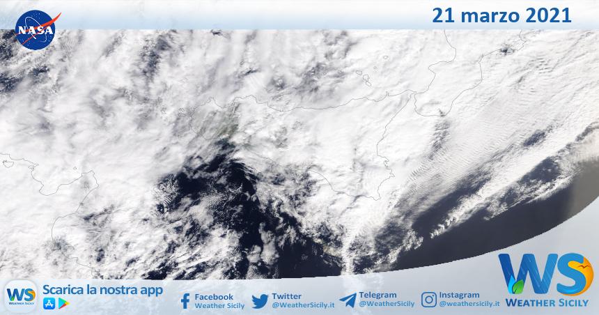 Sicilia: immagine satellitare Nasa di domenica 21 marzo 2021