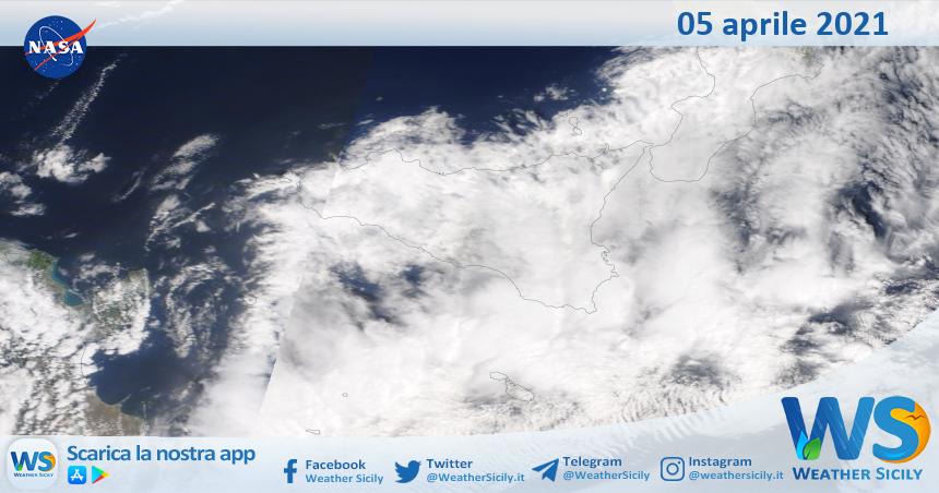 Sicilia: immagine satellitare Nasa di lunedì 05 aprile 2021