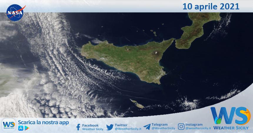 Sicilia: immagine satellitare Nasa di sabato 10 aprile 2021