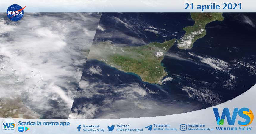 Sicilia: immagine satellitare Nasa di mercoledì 21 aprile 2021