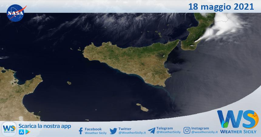 Sicilia: immagine satellitare Nasa di martedì 18 maggio 2021
