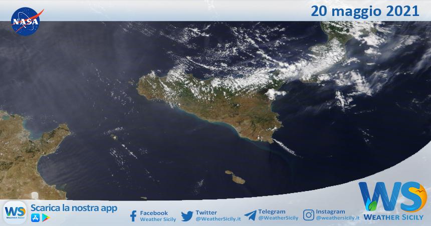 Sicilia: immagine satellitare Nasa di giovedì 20 maggio 2021