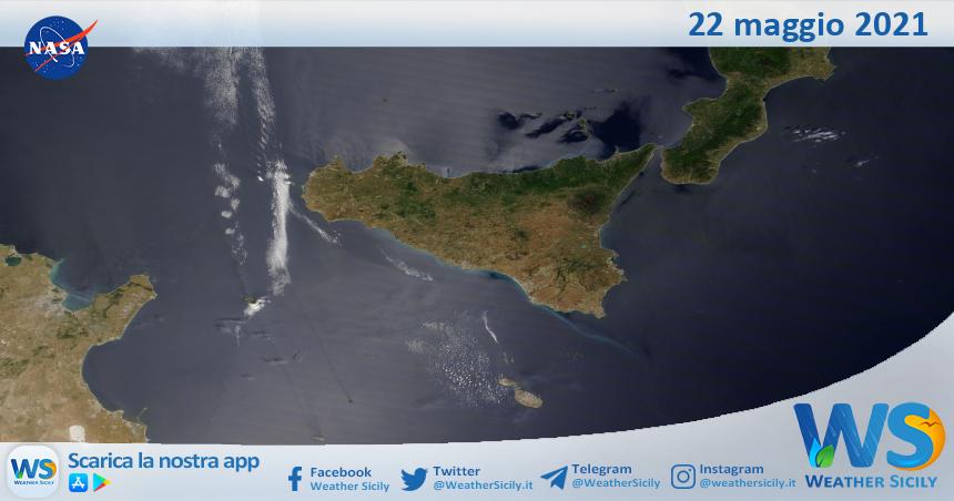 Sicilia: immagine satellitare Nasa di sabato 22 maggio 2021