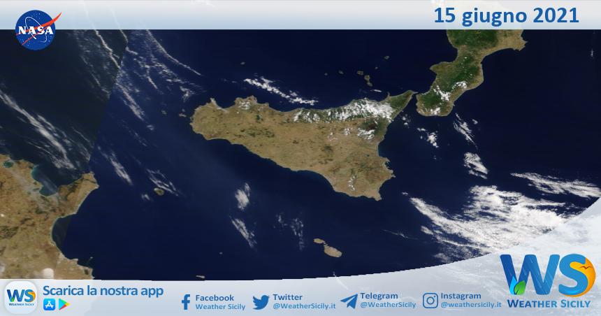 Sicilia: immagine satellitare Nasa di martedì 15 giugno 2021