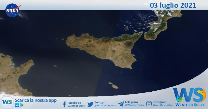 Sicilia: immagine satellitare Nasa di sabato 03 luglio 2021