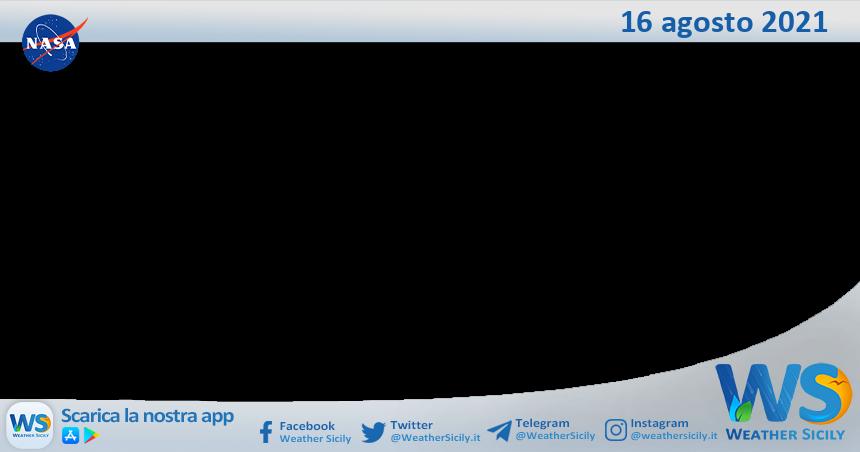 Sicilia: immagine satellitare Nasa di lunedì 16 agosto 2021