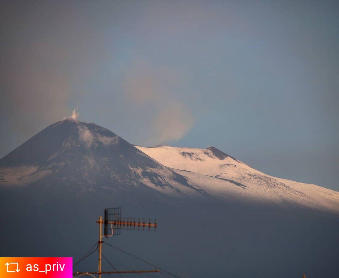 Sicilia: prima neve sull'Etna a inizio settembre.