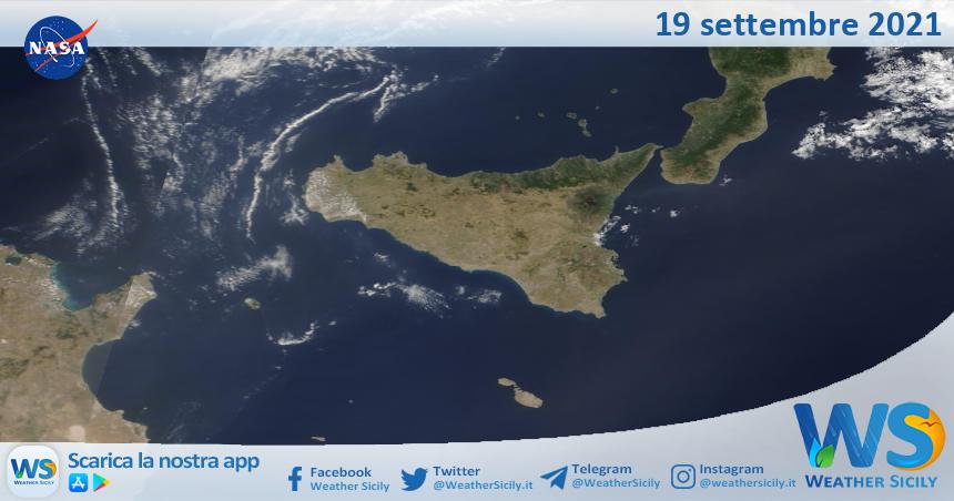 Sicilia: immagine satellitare Nasa di domenica 19 settembre 2021