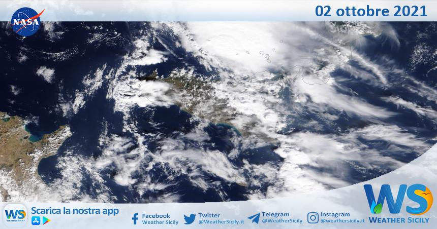 Sicilia: immagine satellitare Nasa di sabato 02 ottobre 2021