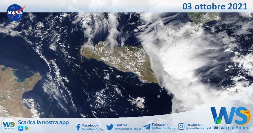 Sicilia: immagine satellitare Nasa di domenica 03 ottobre 2021