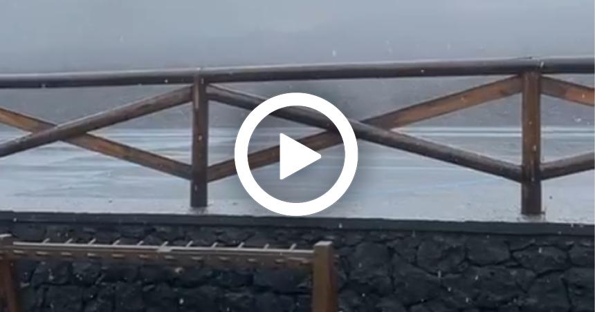 Sicilia: arriva la prima neve di stagione a Piano Provenzana, sull'Etna. VIDEO